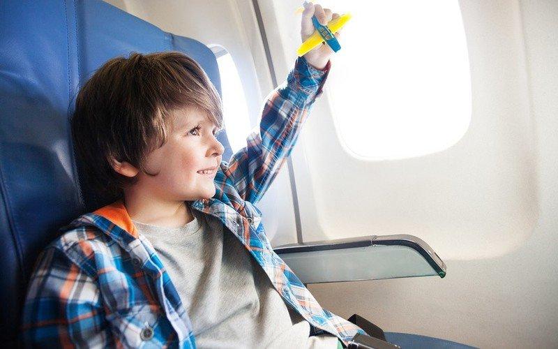 чем занять двухлетнего ребенка в самолете частные лица дающие займ под расписку