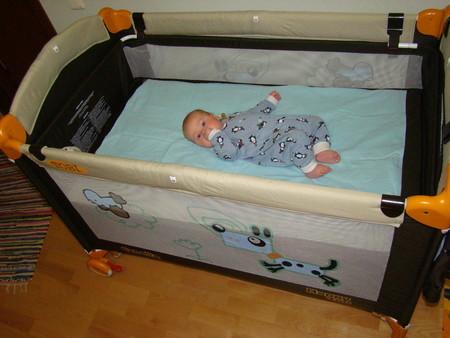 Как из манежи сделать кровать