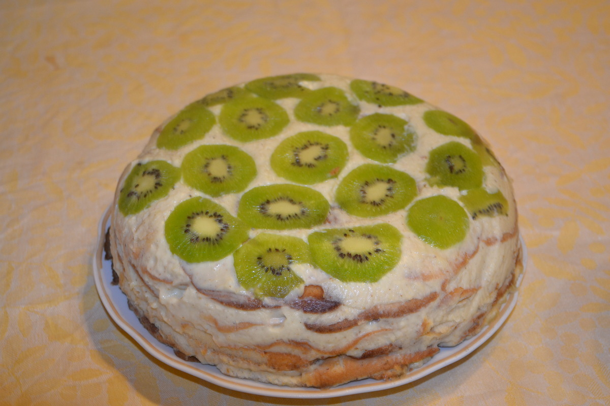 Торт без выпечки с бисквитными коржами