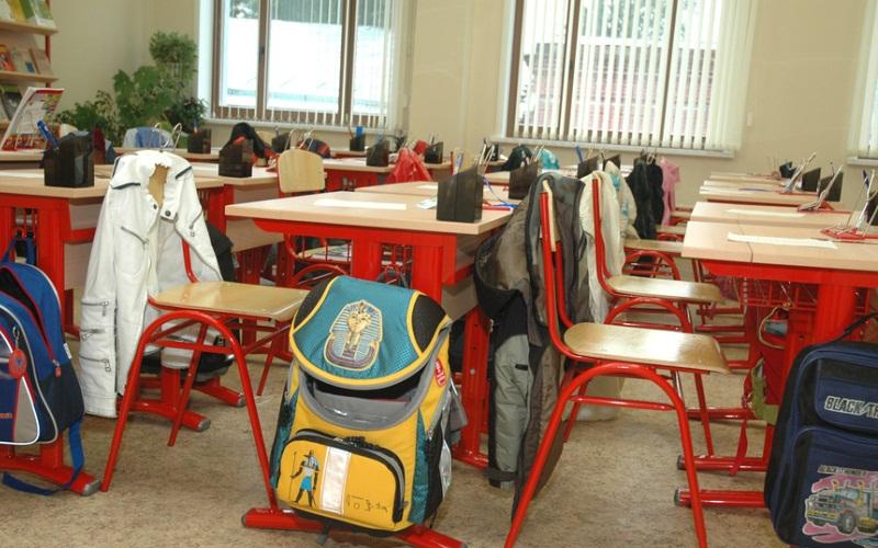 Родители начали страховать школьные портфели