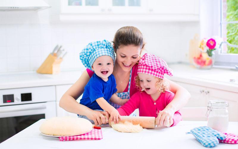Как научить детей правильно питаться