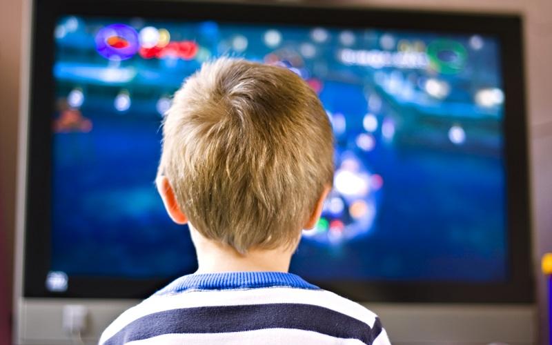 Офтальмолог: Телевизоры и планшеты не вредят глазам