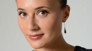 Яна Лапутина: Укладываю спать и кормлю завтраком дочку всегда сама