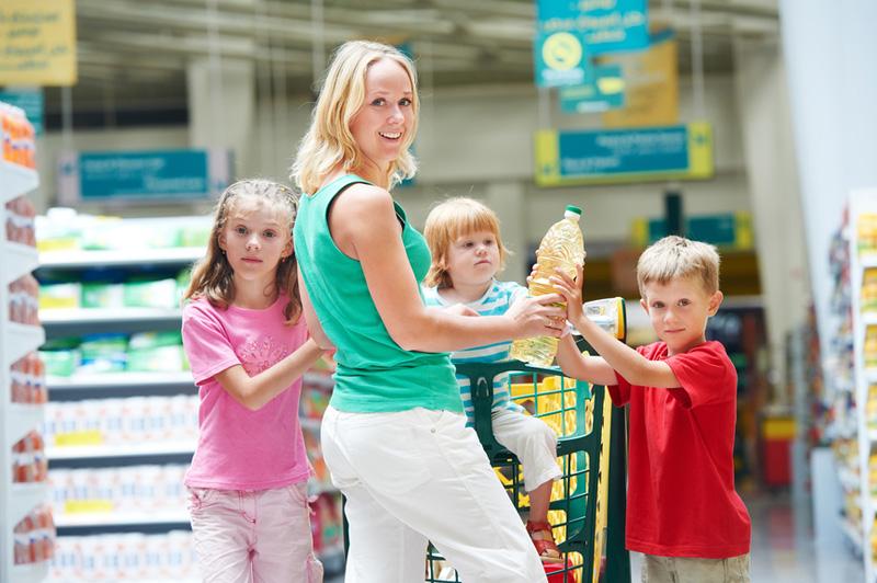 Картинки по запросу делаем покупки вместе с детьми