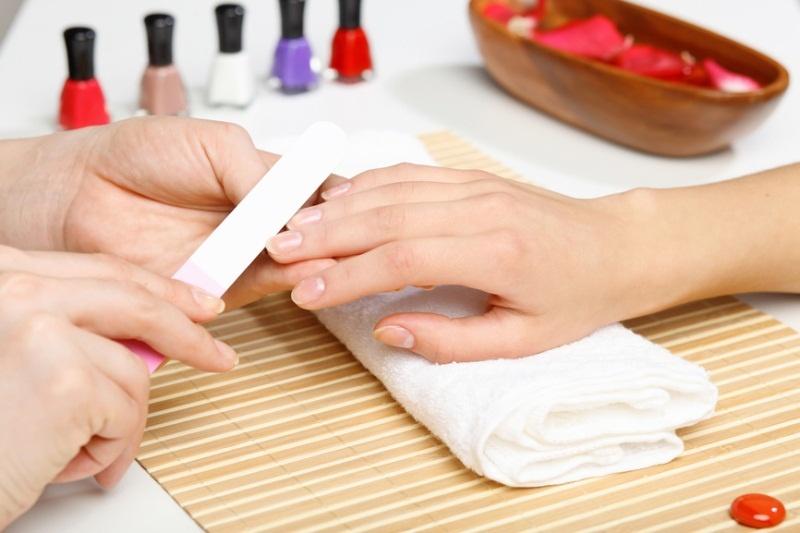 Лак для ногтей во время беременности
