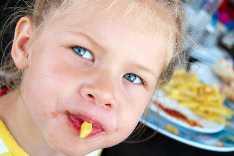 почему ребенок сильно шевелится на последних неделях
