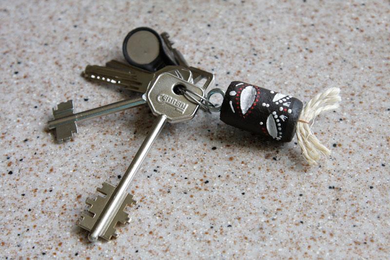 Брелки своими руками на ключи ютуб
