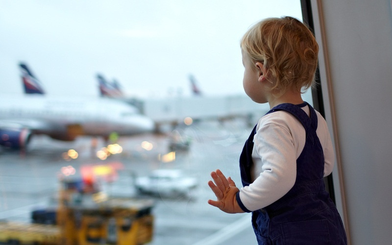 Картинки по запросу дети в самолете