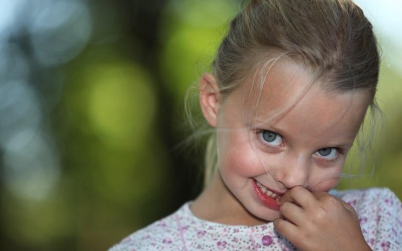 Ребёнок грызет ногти что делать