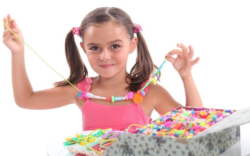 БусыПервые украшения для дочки