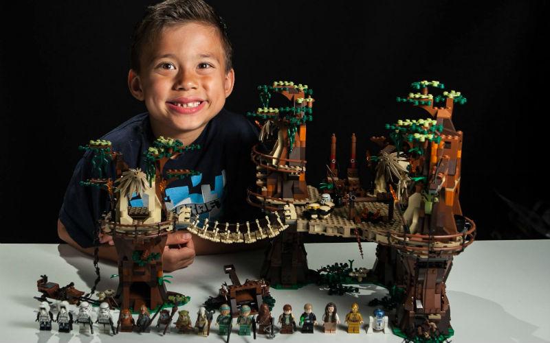 8-летний мальчик стал миллионером благодаря творческой идее (фото)