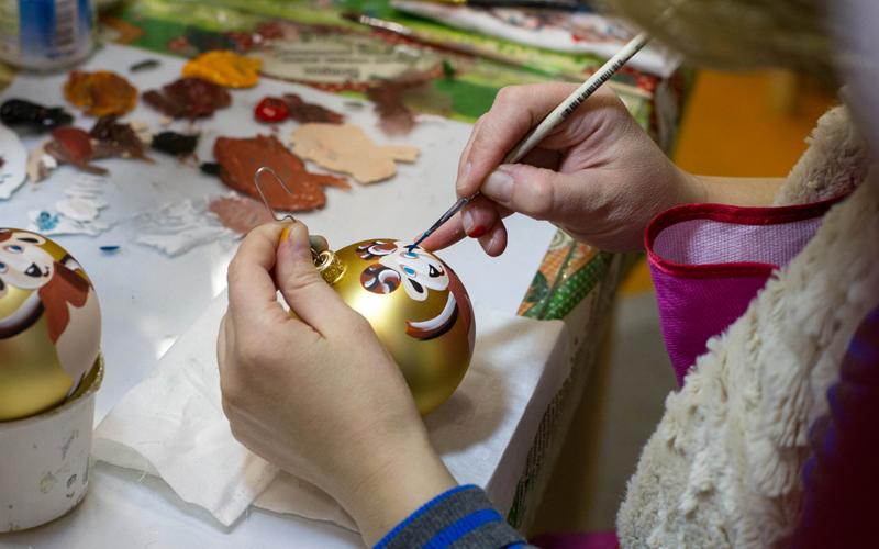 За кулисами сказки: как делают елочные игрушки