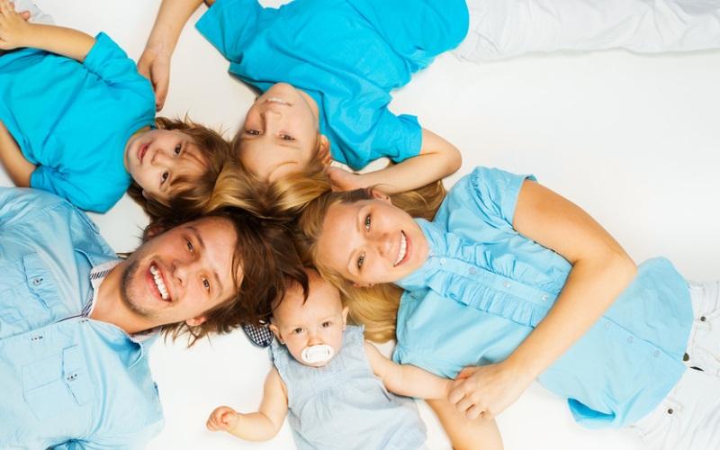 Многодетным семьям в 2015 году власти