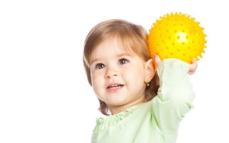 Как играть с ребенком в года