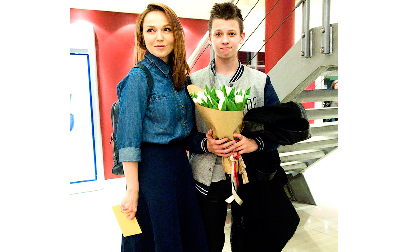 Картинки по запросу альбина джанабаева и ее сын лука фото 2017
