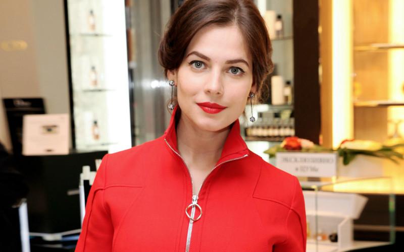 Звезда Юлия Снигирь показала свои голые прелести. Бесплатно на Starsru.ru