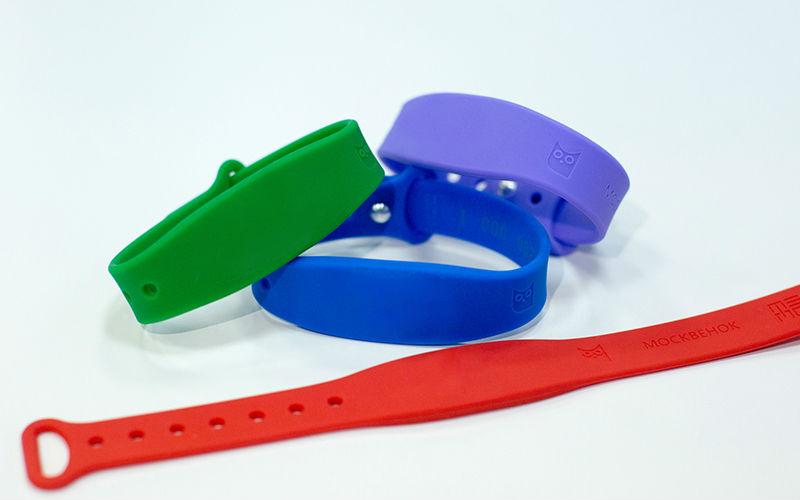 Электронные браслеты для школьников